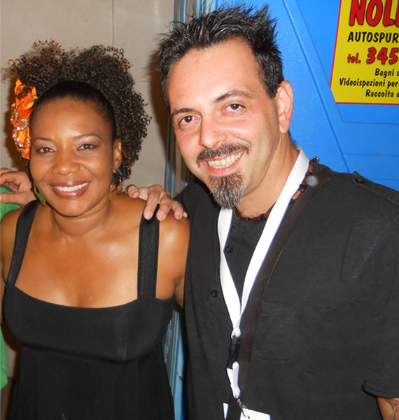 picture of luca mattioni with the brasilian singer margareth menezes